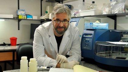 El infectólogo Fernando Polack, que dirige la Fundación Infant, lleva adelante un estudio que busca probar la efectividad del plasma convaleciente en pacientes con COVID-19