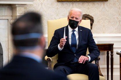 """Joe Biden exigió un veredicto """"correcto"""" en el juicio por la muerte de George Floyd (EFE/Doug Mills)"""