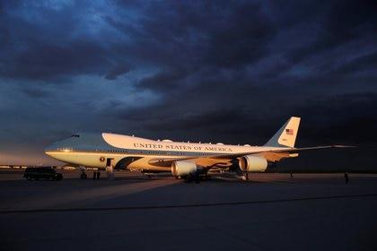 El Air Force One, basado en el famoso avión Boeing 747, es un símbolo de la presidencia de Estados Unidos (REUTERS / Carlos Barria)