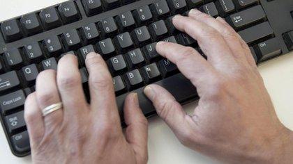 El pederasta digital es un delincuente sexual que suele dirigir acciones de grooming a varias víctimas en simultáneo