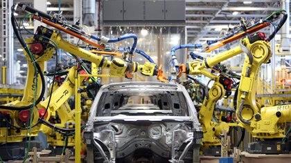 En junio, los productos del parque automotor estuvieron entre las exportaciones que registraron mayores caídas interanuales de acuerdo al Indec