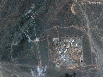 Vista de las instalaciones de enriquecimiento de uranio de Natanz, a 250 km al sur de la capital iraní, Teherán, en esta imagen de satélite de Maxar Technologies obtenida por Reuters el 12 de abril de 2021. Imagen de satélite ©2021 Maxar Technologies/Handout via REUTERS