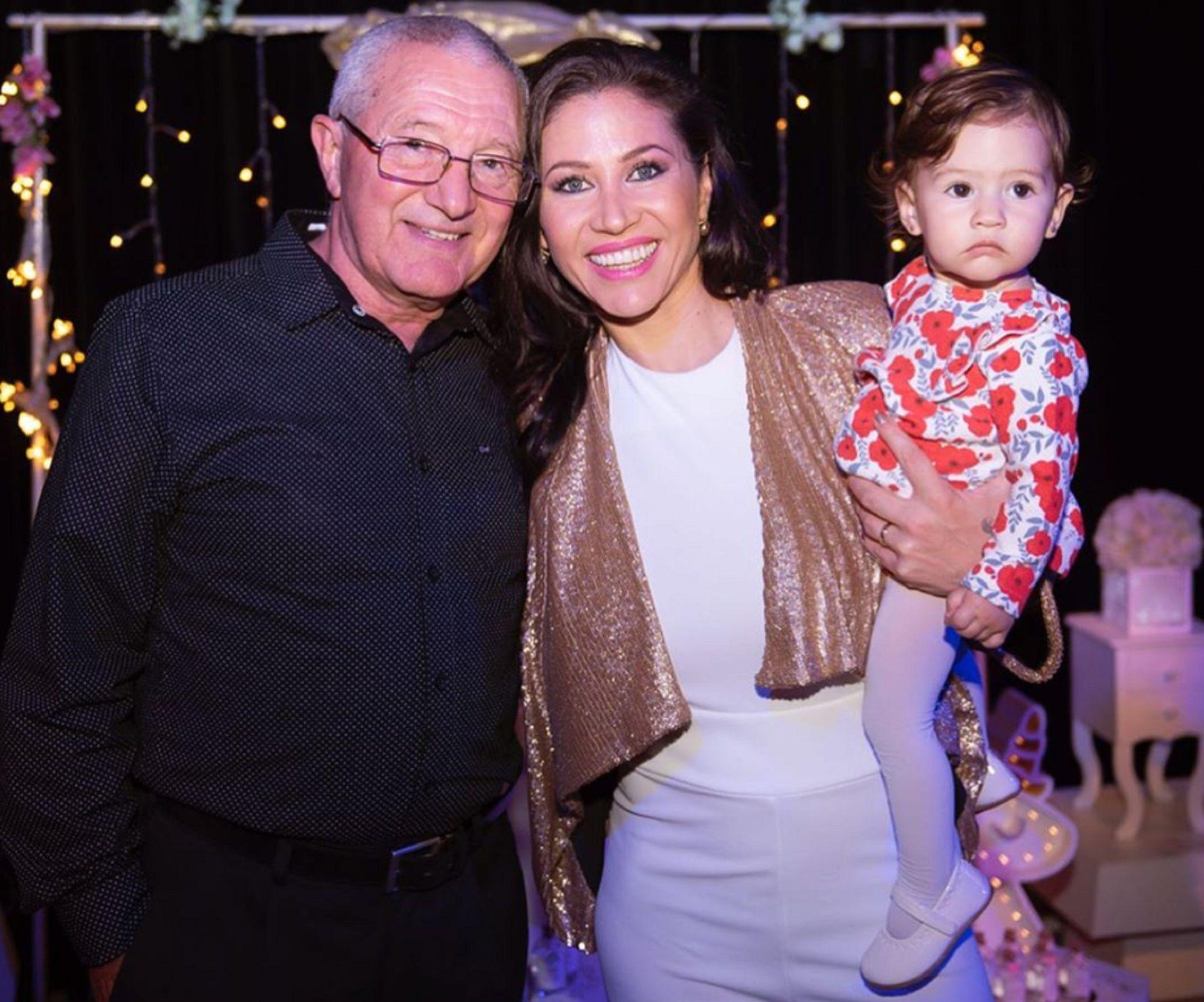 Tres generaciones: Eduardo, Adabel y Lola (Instagram)