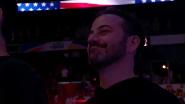 El presentador Jimmy Kimmel tampoco pudo evitar reírse de la estrella