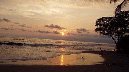 En la Playa Santa Teresa de Cobano fue asesinada la turista mexicana