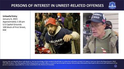 """Tras el anuncio del FBI en Twitter, numerosos usuarios respondieron con imágenes de Trump, quien arengó a sus seguidores antes de la marcha hacia el Congreso, o del abogado Rudy Giuliani, quien reclamó ante los manifestantes un """"juicio por combate"""" para resolver las infundadas acusaciones de fraude electoral"""
