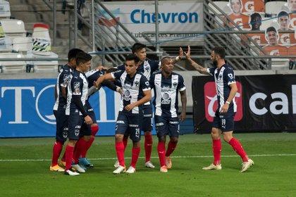 Actualmente, la diferencia de puntos que existe entre el Club Puebla y los Regiomontanos es de tan solo un punto (Foto: EFE/Miguel Sierra)