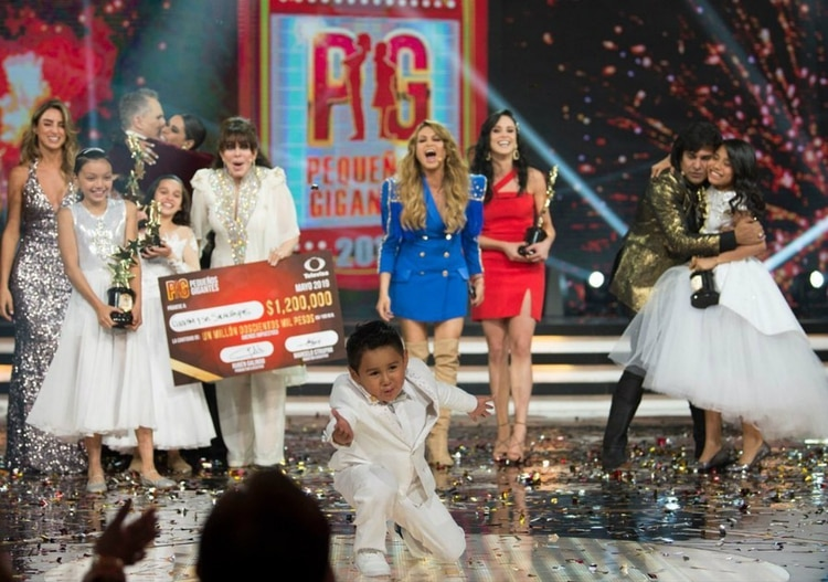 """Giovani Chávez ganó en la final de """"Pequeños Gigantes"""", en la que estuvo como invitada Paulina Rubio"""