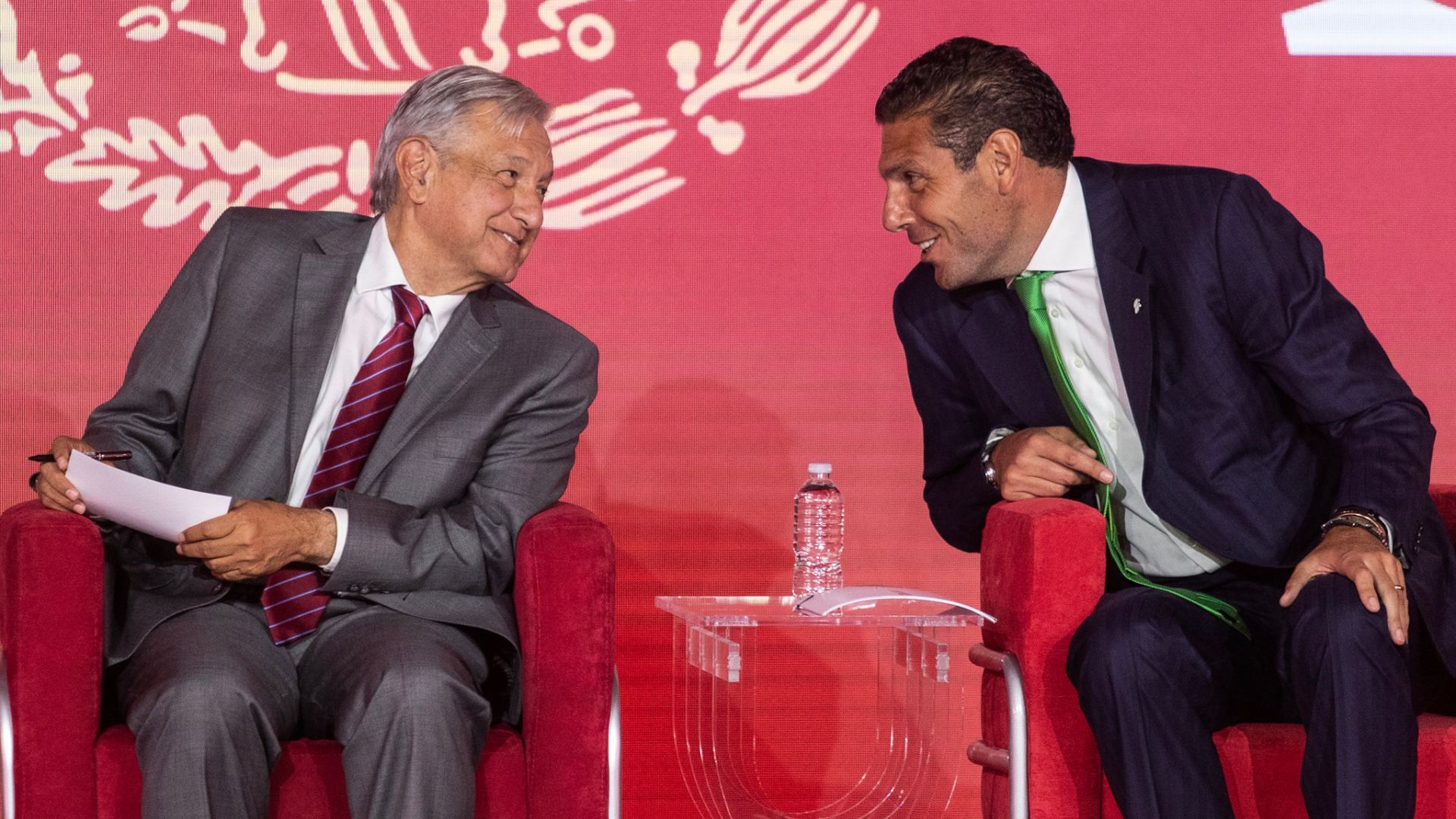 Hank González y López Obrador, en el Foro Estrategia de Banorte este miércoles, evento que el mandatario clausuró (Foto: Cuartoscuro)