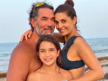 Eduardo Santamarina lleva 12 años casado con Mayrín Villanueva, con quien procreó a Julia (Foto: Instagram/@eduardosantamarinamx)