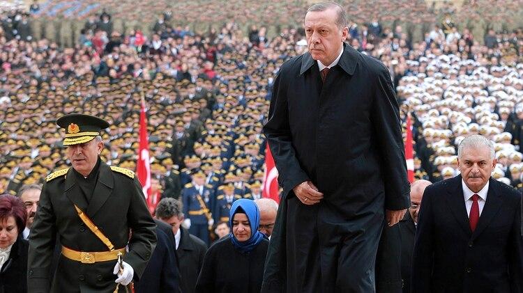 El presidente turco, Recep Erdogan, no para de acumular poder desde el fallido golpe (AFP)