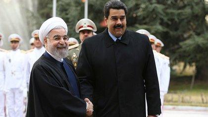 Pese a la presión de EEUU, los regímenes de Irán y Venezuela fortalecen su alianza
