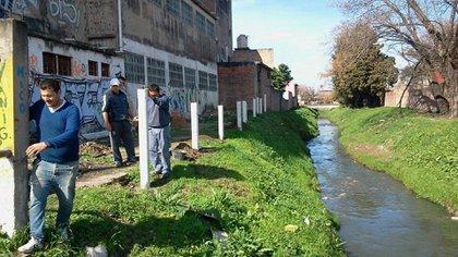 La contaminacin alcanza niveles crticos en los cursos medio y bajo y afecta directamente la calidad de vida de cinco millones de personas ya que atraviesa 14 municipios