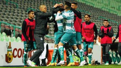 Apuntó que conseguir triunfo confianza, sobre todo por la gran cantidad de jugadores jóvenes que tienen (Foto: Cortesía/ Club Santos)