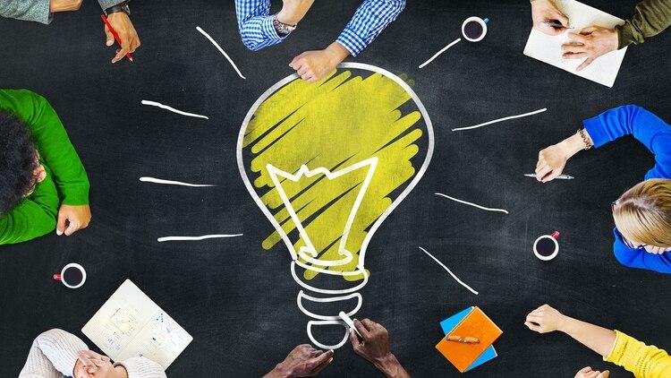 Las empresas necesitan desarrollar al personal existente (actualizar sus habilidades, ya que las universidades aún no se centran en ellas