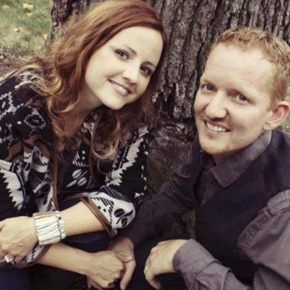 Carrie y Nick DeKlyen. La joven madre decidió continuar con su embarazo pese a saber que eso le costaría la vida