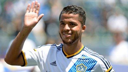 El Galaxy angelino separó del equipo a Dos Santos en marzo, pero según el futbolista lo volvieron a buscar para que firmara un contrato por tres años más. (Foto: Archivo)