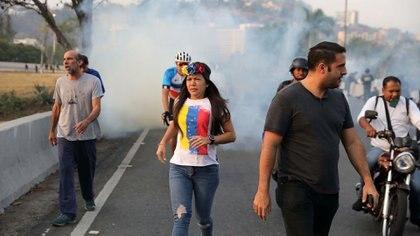 La comunidad internacional comenzó a hacer llegar el respaldo al gobierno de Juan Guaidó