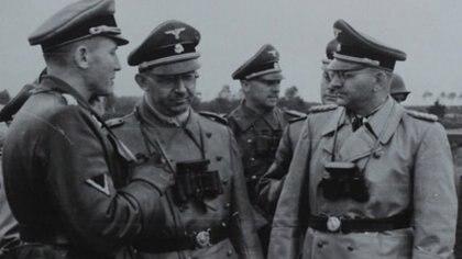 Otto Wächter (izq) con Heinrich Himmler (Horst Wachter)