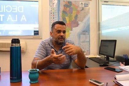 """Daniel Menéndez, funcionario del Gobierno y dirigente social, pidió""""cerrar las escuelas y aumentar las restricciones de manera urgente"""" (Foto: Maximiliano Luna)"""