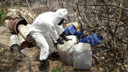 La institución señaló que en total se incautaron 7.250 litros y 7.135 kilogramos de sustancias utilizadas para la elaboración de drogas sintéticas. (Foto: EFE)