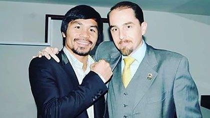 Victor Silva junto a Manny Pacquiao en una de las veladas internacionales de boxeo