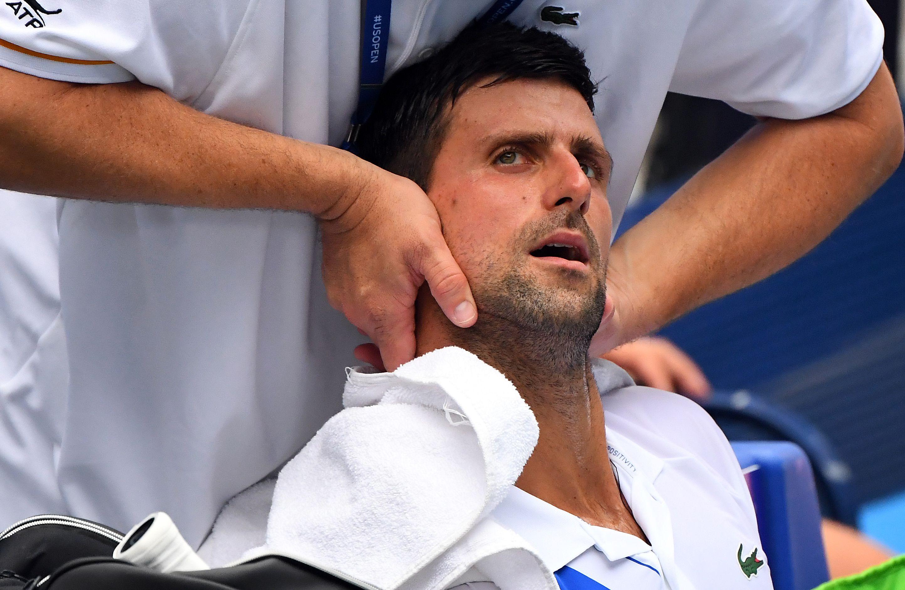 Nole tuvo que ser atendido por el médico durante el partido (Robert Deutsch-USA TODAY Sports(