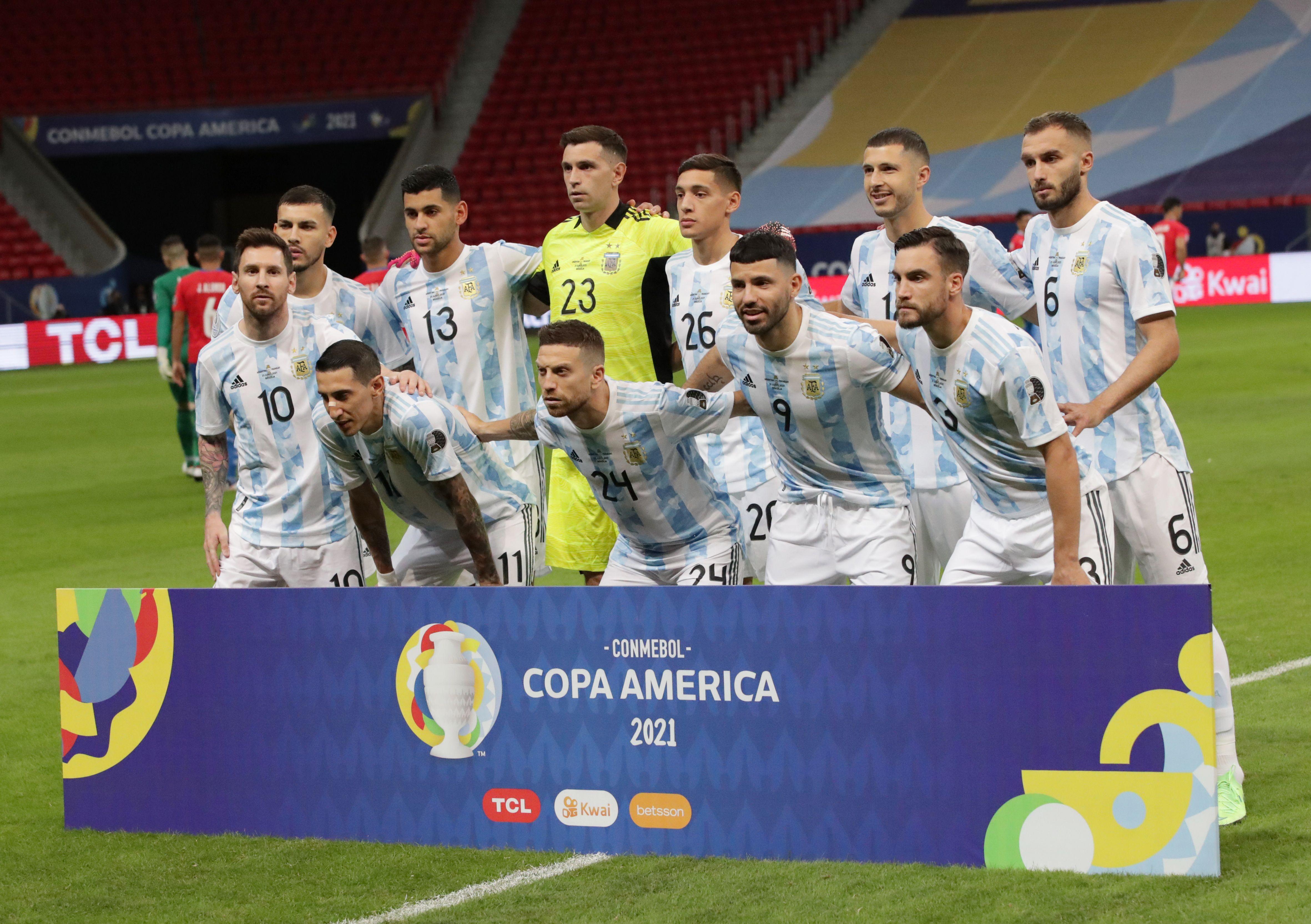 El funcionamiento de Argentina no se resintió por los cambios en el inicio, pero el cansancio y la postura del segundo tiempo opacaron la interesante primera etapa (REUTERS/Henry Romero)