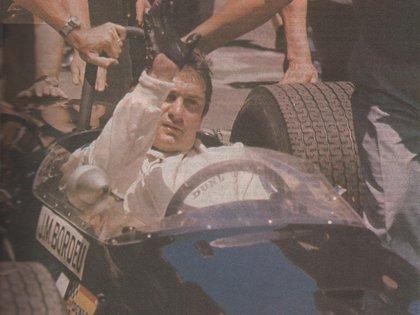 Juan Manuel Bordeu sobre un Brabham-Cosworth de Fórmula 2 en 1968. Tenía futuro de Fórmula 1, pero un grave accidente se lo impidió (Archivo CORSA).