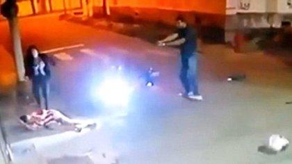 Uno de los ladrones murió y el otro resultó herido