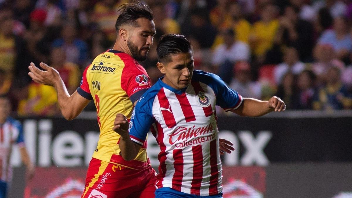 Un polémico penal y una soberbia actuación de Sebastián Sosa dieron la victoria de Morelia ante Chivas