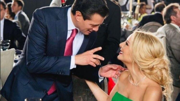 El expresidente, Enrique Peña Nieto, junto a su novia Tania Ruiz durante la boda de la hija del abogado, Juan Collado (Foto: Instagram @taniaruize)