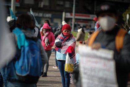 De acuerdo a un informe de Libertad y Progreso en base al Banco Mundial, las mujeres tienen menor expectativa de vida y sufren más el desempleo que en países con mejores índices de libertad económica. (Foto: EFE/Juan Ignacio Roncoroni)