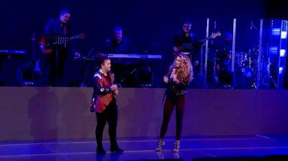 A pesar de su talento innato, la adolescente no piensa por el momento dedicarse a la música (Foto: captura de pantalla video de Youtube @LuceroBrasil)