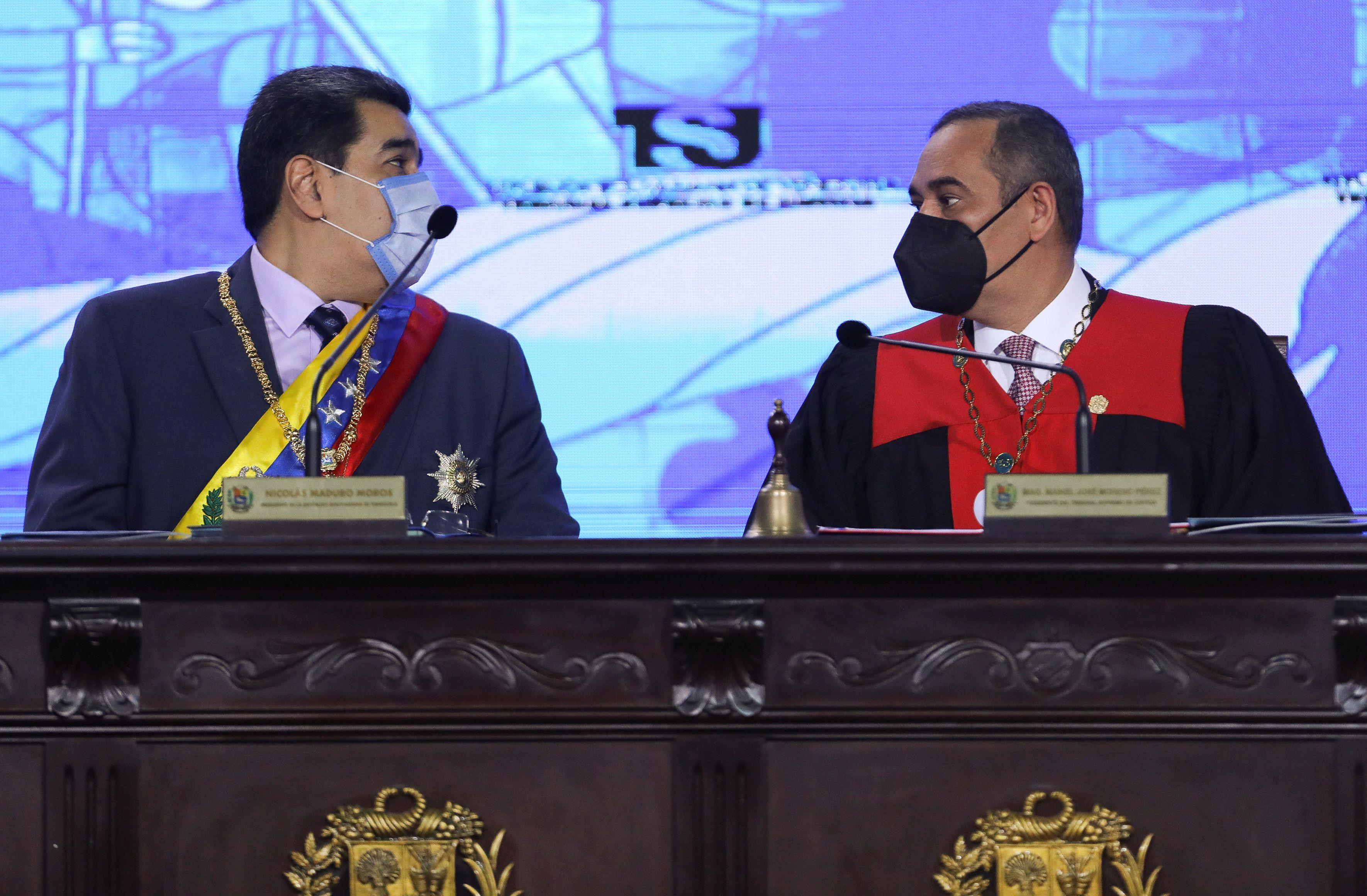 El dictador Nicolás Maduro y Maikel Moreno, su representante en el Tribunal Supremo del país