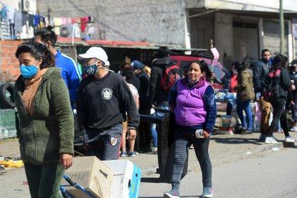 La cuarentena se hace difícil de cumplir en muchos distritos del conurbano, como el Barrio Olimpo en Lomas de Zamora (Maximiliano Luna)