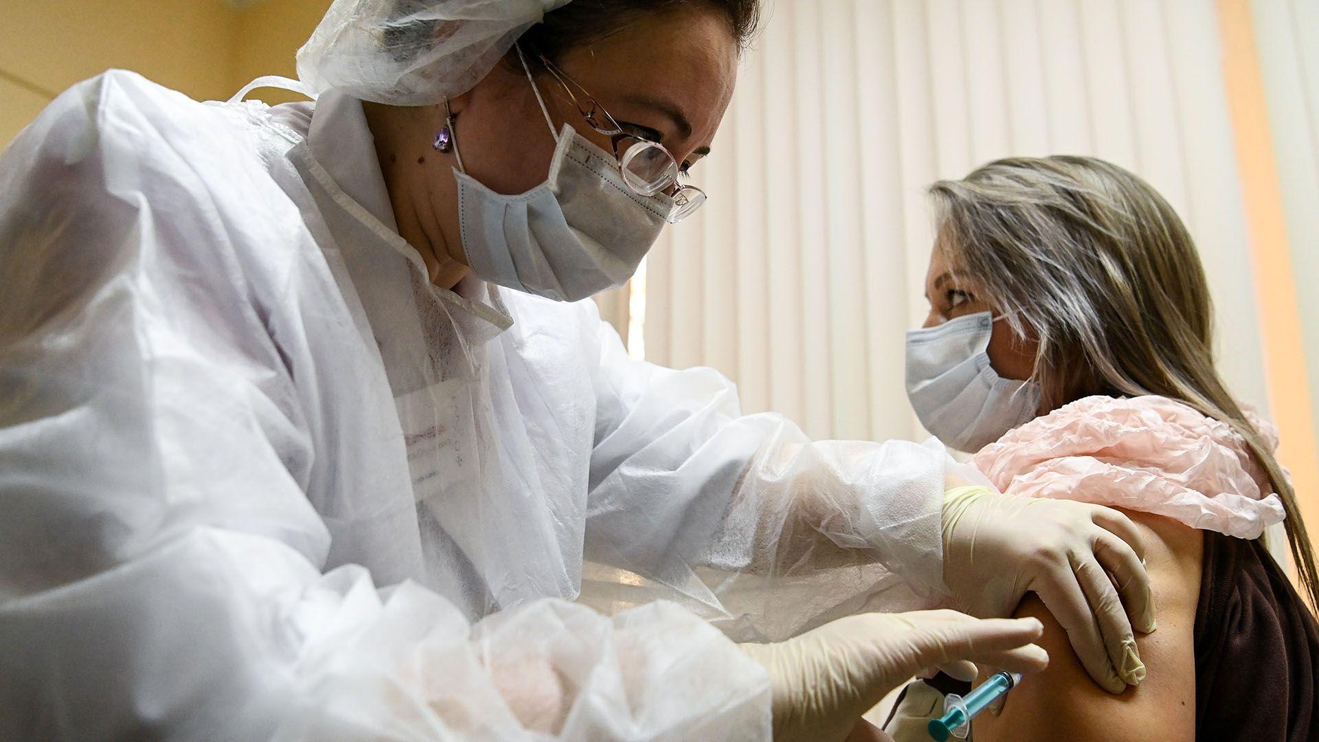 comenzo la vacunacion en rusia vacuna sputnik V