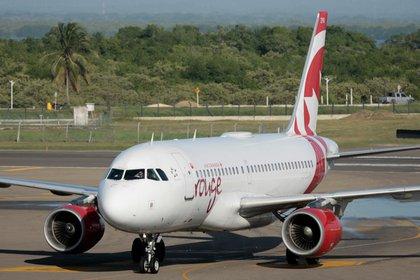 Las autoridades canadienses han conseguido que las compañías que vuelan al Caribe y México (Air Canada, WestJet, Sunwing y Air Transat) suspendan sus vuelos a la región desde el domingo hasta el 30 de abril. EFE/Ricardo Maldonado Rozo/Archivo