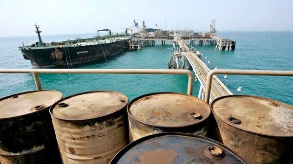 Un petrolero iraní en el Golfo Pérsico. El país estuvo fuera de los mercados durante años, pero tras el acuerdo de 2015 sus exportaciones volvieron a crecer