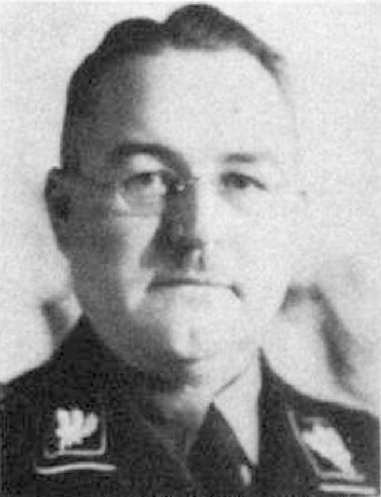 En esta foto se ve a Dietrich Klagges en 1938. Fue una figura fundamental para otorgar la ciudadanía alemana a Hitler