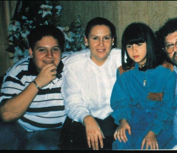 Junto a sus hijos Juan Pablo y Manuela. Foto: Archivo Atlántida