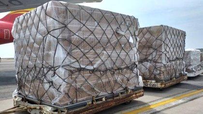Un avión procedente de China con 71 toneladas de medicinas y material médico-quirúrgico para abordar la crisis que vive Venezuela llegó a Caracas (@AlvaradoC_MPPS)
