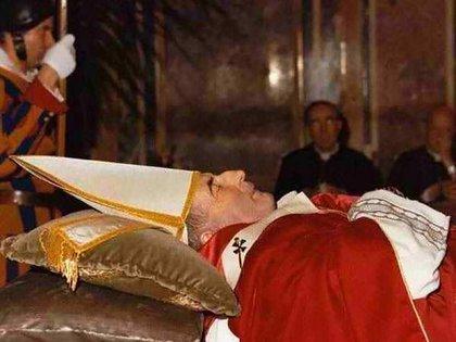 Juan Pablo I, muerto el 28 de septiembre de 1978, Palacio Apostólico, Ciudad del Vaticano.