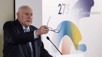 El historiador y Premio Príncipe de Asturias de Ciencias Sociales 2014, Joseph Pérez, durante una conferencia en Las Palmas de Gran Canaria.  27/09/2017. EFE/Ángel Medina G.