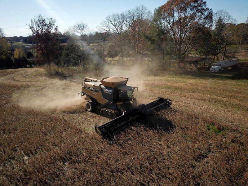 """""""Un 40% del total de productores va a recibir una compensación en un modelo de equidad territorial social"""", dijo Basterra (REUTERS/Charles Mostoller)"""