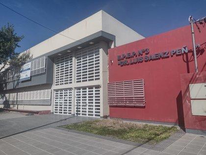 """El centro de aislamiento que funciona en la Escuela Provincial N.º 3, """"Dr. Luis Sáenz Peña"""""""