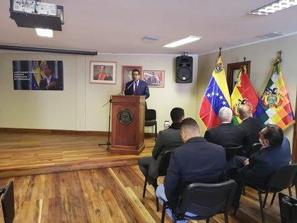 Embajador de Venezuela en Bolivia, Winston Flores.