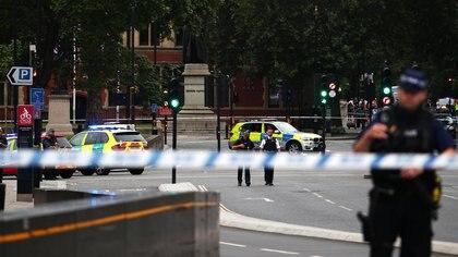 El operativo de seguridad en el lugar del hecho (Reuters)