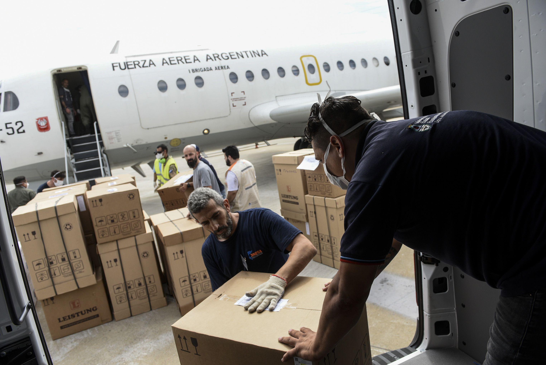 También se enviaron partidas de alcohol en gel y pulverizadores