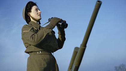 Una soldado británica afectada a la defensa antiaérea